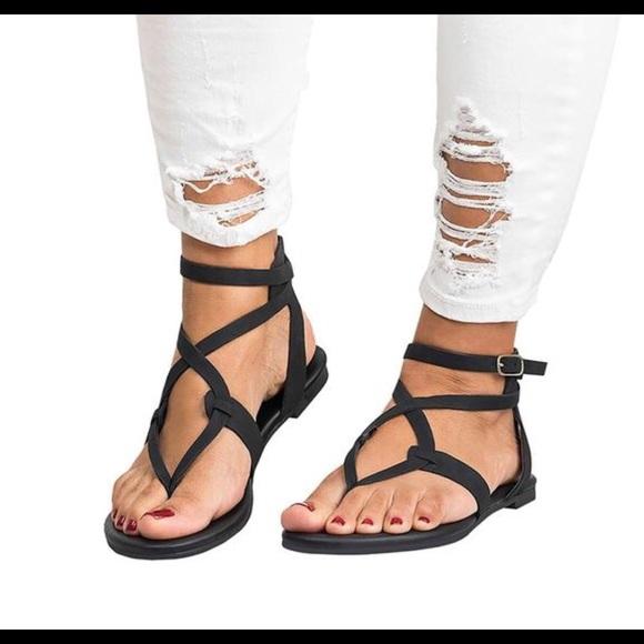 8b0b8d8ccfa Kaaum Sandals. M 5aea6184f9e5019ee9e5e0cf